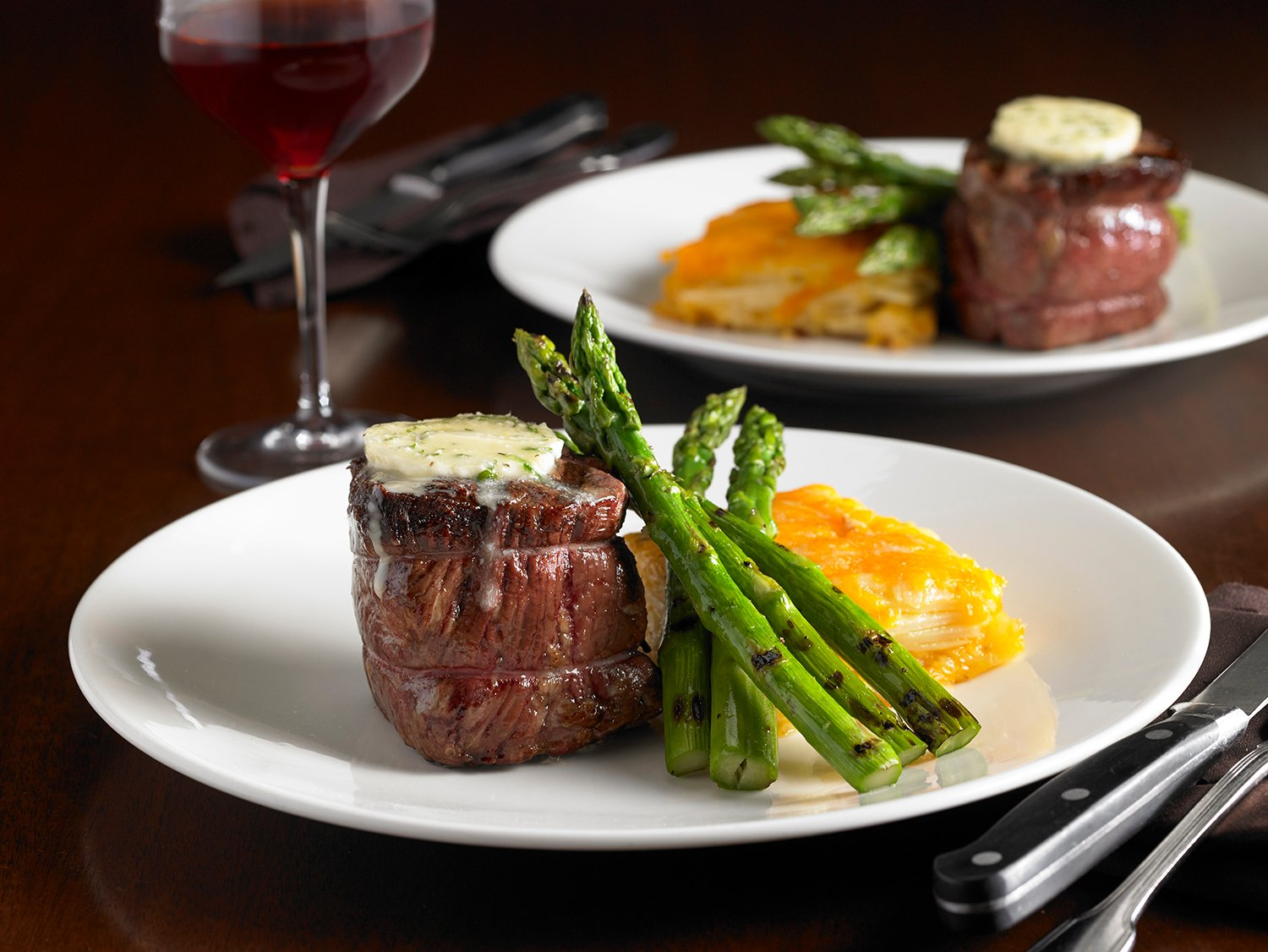Mystic Steakhouse steak and asparagus